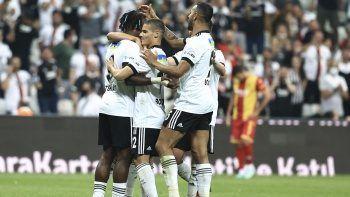 Beşiktaş, Yeni Malatyaspor'u 3-0 mağlup etti