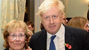 Boris Johnson'ın annesi öldü
