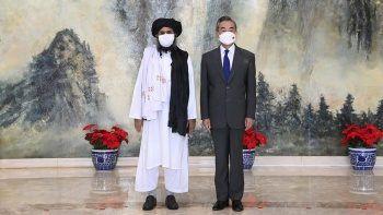 Çin'den fırsat hamlesi: Taliban'a yardım yağdı