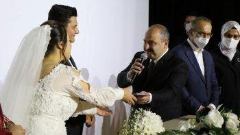 Darp edilen İHA Muhabiri dünya evine girdi: Nikaha Bakan Varank da katıldı