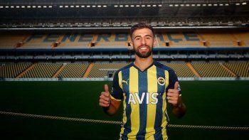 Diego Rossi resmen Fenerbahçe'de