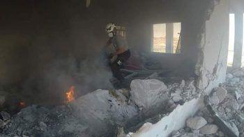 Esad güçleri İdlib'de sağlık merkezini vurdu: 1 ölü 3 yaralı