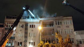 Eyüpsultan'da çatı yangını