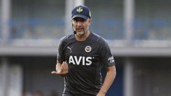 Fenerbahçe transfer için şartları zorluyor