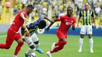 Fenerbahçe'ye sakatlık şoku! Marcel Tisserand oyuna devam edemedi...