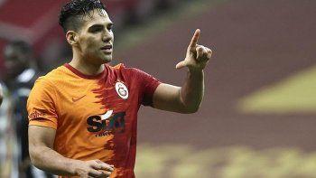 Galatasaray Falcao ile yolları ayırdı