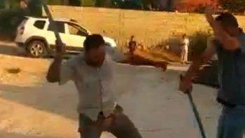 Görüyorsunuz kocamı dövüyorlar! Çocuklar başlattı büyükler devam etti: Anne telefona böyle kaydetti
