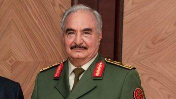 Hafter 'askeri yetkilerini' 3 aylığına devretti