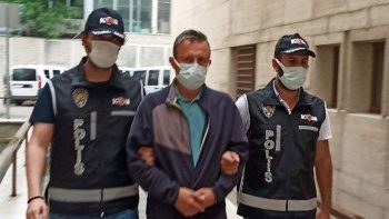 Hastasından ameliyat için para isteyen doktor tutuklandı