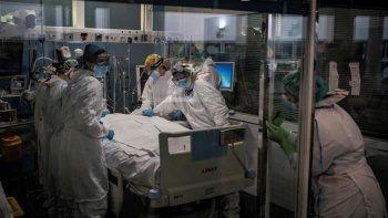 İngiltere'de hasta sayısı rekor kırdı: 5,6 milyon kişi tedavi bekliyor
