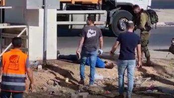 İsrail güçleri Filistinli genci yaraladı sağlık ekiplerini yaklaştırmadı