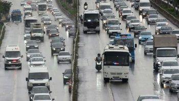 İstanbul trafiğinde yeni kabus: Çakarlı minibüs