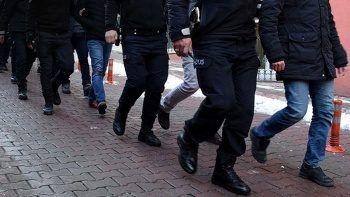 İzmir merkezli FETÖ operasyonu: 100 tutuklama