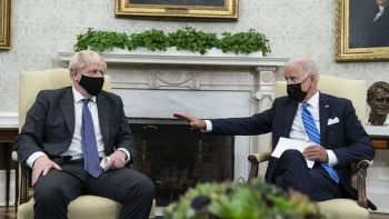 Joe Biden ve Boris Johnson görüşmesinde gazeteciler Oval Ofis'ten çıkarıldı