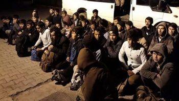 Kaçak göçmenler il il toplanacak