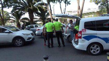 Kazaya sinirlendi! Tamponla şoförü dövdü