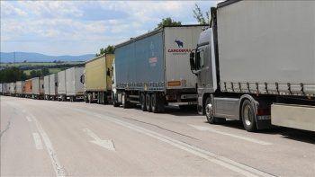 Macaristan'a transit geçiş belgesi 130 bine yükseltildi