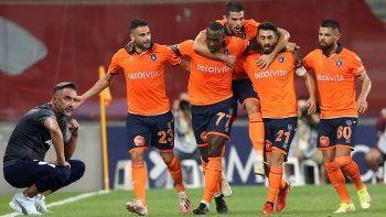 Medipol Başakşehir, ilk galibiyetini Fenerbahçe'den aldı! Maç Sonucu: 2-0