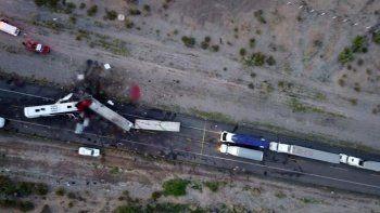 Meksika'da yolcu otobüsü ile TIR çarpıştı: 16 ölü