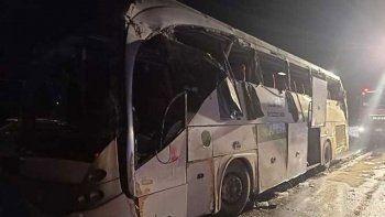 Mısır'da 60 kişilik otobüs devrildi: Çok sayıda ölü ve yaralı var