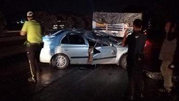 Otomobil tıra çarptı, 2 yaşındaki çocuk hayatını kaybetti