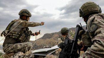 Son dakika! 13 PKK/YPG'li terörist etkisiz hale getirildi
