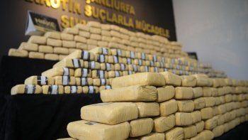 Son dakika! Zehir tacirlerine dev operasyon: 275 kilo eroin ele geçirildi