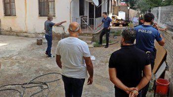 Tartıştığı eşi KADES kullandı: Kapıda polisleri gören adam çılgına döndü