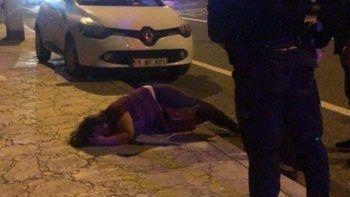 Sokak ortasında kadına şiddet! Döve döve bayılttı