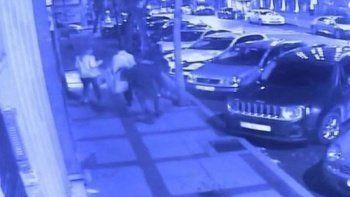 Turistleri bıçaklayan kağıt toplayıcısına hapis cezası