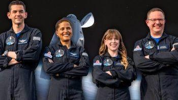 Uzay turistleri 3 günlük seyahat için gün sayıyor
