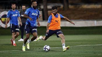 Vitor Pereira, yeni transfer Diego Rossi'ye hayran kaldı