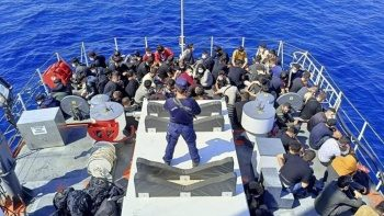 Yunan ölüme terk etti, Türk Sahil Güvenliği kurtardı