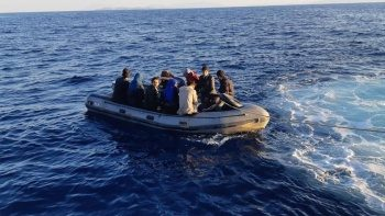 Yunanistan'ın düzensiz göçmenlerden kurtulmak için yeni taktiği: Denize atıyorlar iddiası