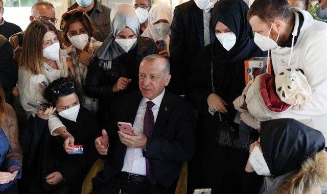 Cumhurbaşkanı Erdoğan vatandaşın kahve davetini kırmadı!