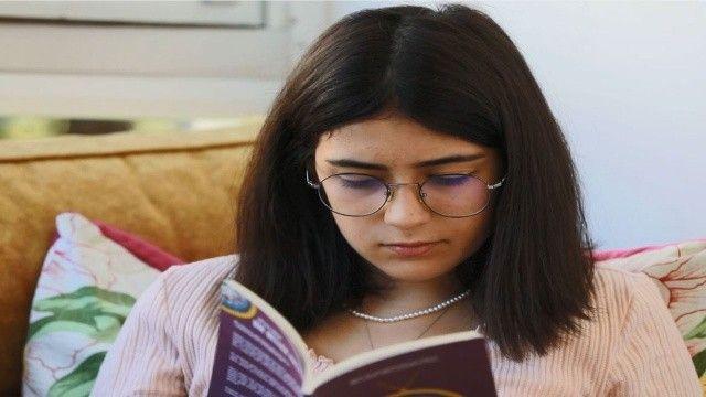 Disleksiyi yendi, 13 yaşında yazar oldu
