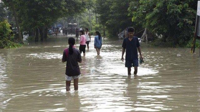 Hindistan'da sel felaketi: 18 kişi hayatını kaybetti
