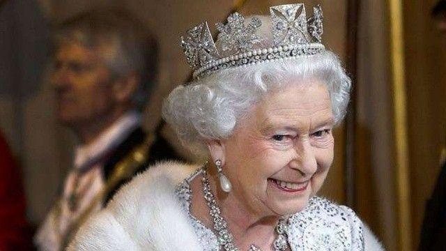 Kraliçe Elizabeth salatasında ölü salyangoz bulunca mutfağa bu notu yolladı