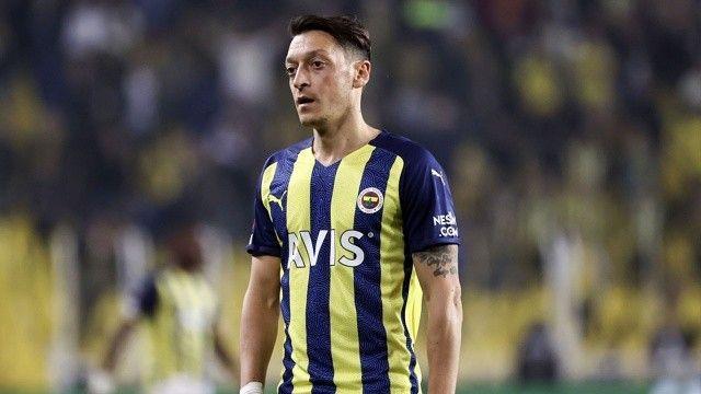 Mesut Özil, Royal Antwerp maçındaki tepkisine açıklık getirdi