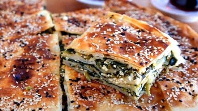 Nefis çıtır çıtır ıspanaklı börek tarifi! Pratik ıspanaklı börek nasıl yapılır?
