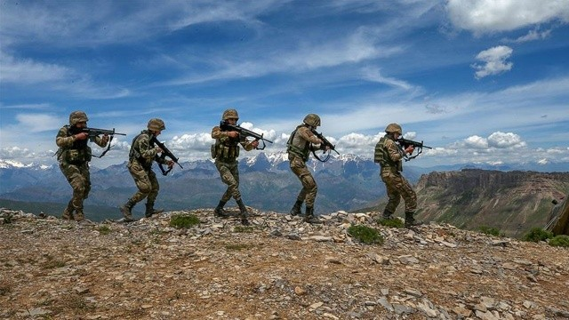 Son dakika! PKK'ya darbe: 8 terörist öldürüldü