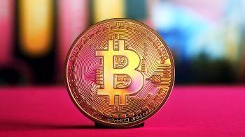 'EFT' ile uçuşa geçen Bitcoin fiyatı 63 bin doların üzerine çıktı