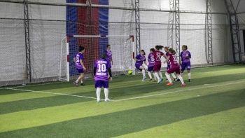 'Kadınlar futboldan anlamaz' diyenlere inat sahanın tozunu attırdılar