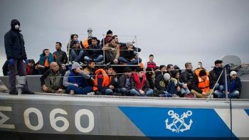 AB'den Yunanistan'a sığınmacı tepkisi: Verilen paralar kabul edilemez davranışlara gitti