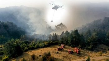 Antalya Konyaaltı'ndaki orman yangını kontrol altında