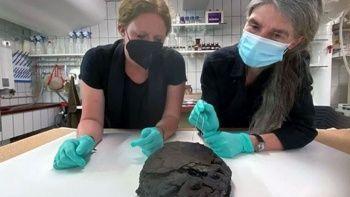 Arkeologlardan şaşırtıcı keşif: 2. Dünya Savaşı'ndan kalma kek bulundu
