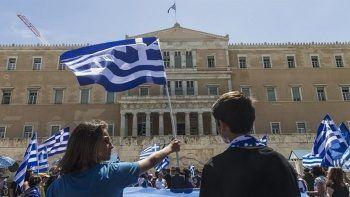 Atina'da parlamento önüne 'Yunanistan'ı Türkler yönetiyor' yazısı bırakan çiftçi akıl hastanesinde
