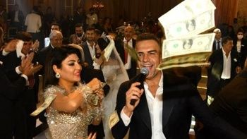 Berdan Mardini, düğünde dolar yağmuruna tutuldu