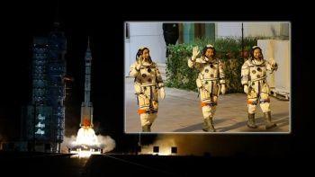 Çin yeni rekor peşinde: Shenzhou-13'ü uzaya fırlattı
