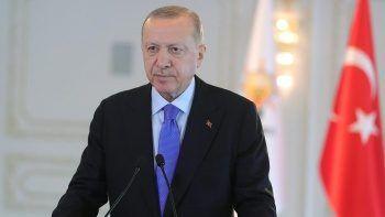 Cumhurbaşkanı Erdoğan AK Partili gençlere seslendi: Durmak yok yola devam!
